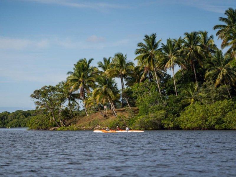Península de Maraú e Boipeba - Canoa Polinésia e Trekking