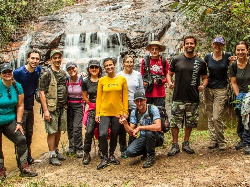 Grupo na Cachoeira do Encanto -foto cedida pelo cliente José Antônio