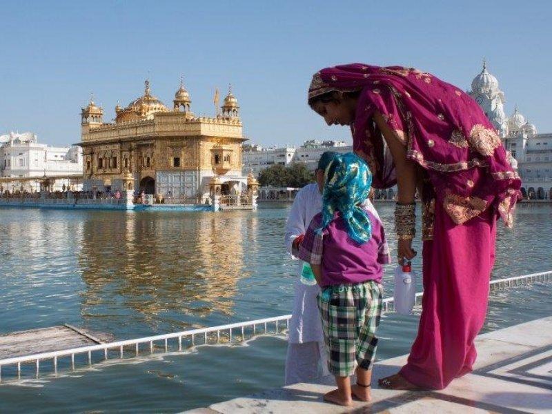 Índia Mística - Explore as várias religiões e práticas da Índia