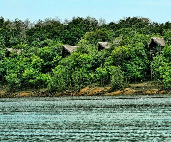 Bangalôs com vista para o Rio Juma
