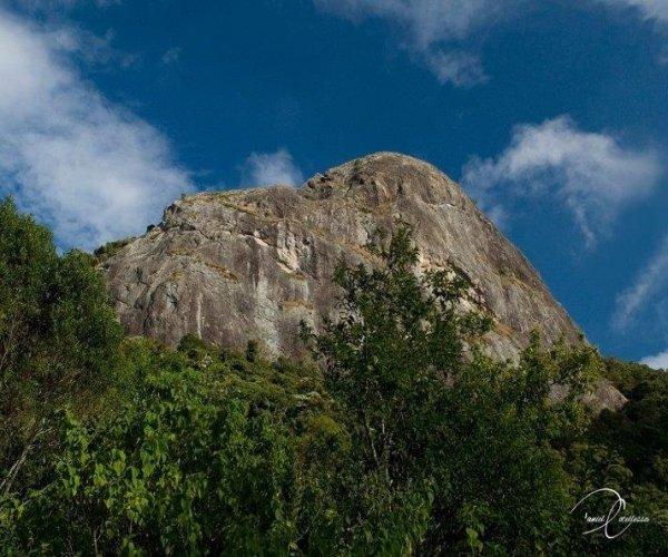 Pedra Ana Chata - Foto Daniel Costellesa