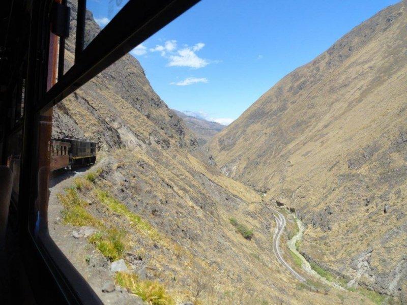 Trem pelo Nariz do Diabo - Equador