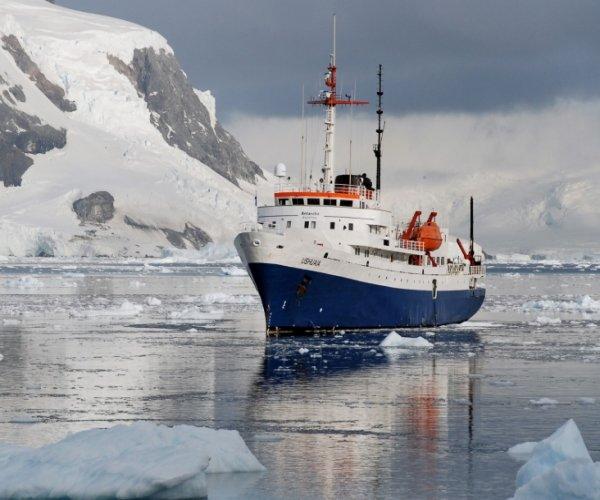 Antartica - MV Ushuaia