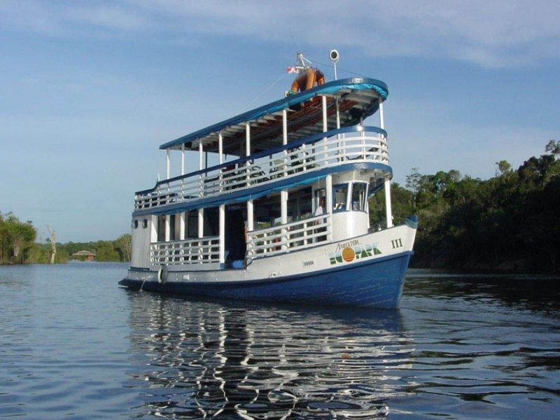 Barco - Encontro das Águas