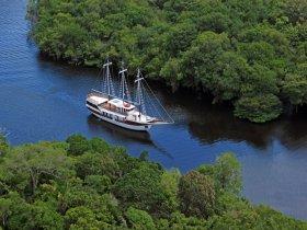 REVEILLON - Amazônia - Navegação pelo Rio Negro - M/V Desafio