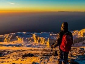 Trekking ao topo do Kilimanjaro com Manoel Morgado
