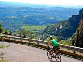 TIRADENTES - Cicloturismo na Serra Geral - De Urubici a Floripa