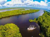 Namastê Amazônia - Navegação pelo Rio Negro - M/V Desafio